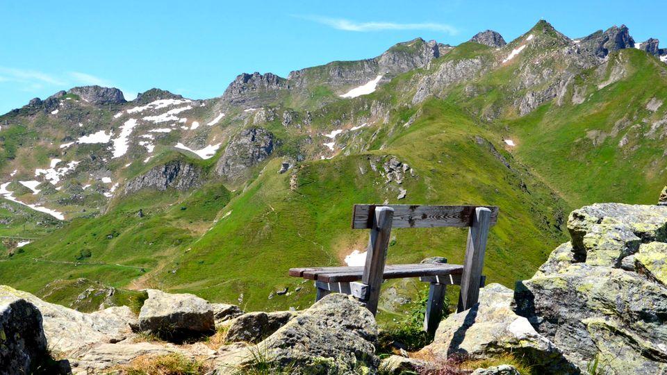 Auf den Gipfeln kann man ganz alleine die Sonne und die frische Bergluft genießen