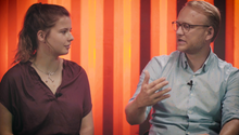 Luisa Neubauer und Michael Kruse debattieren in der DISKUTHEK