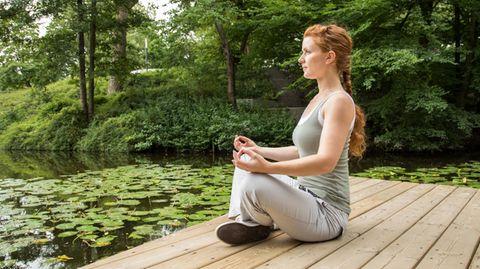 """Boris Bornemann: """"An nichts denken zu wollen ist Unsinn"""": Das sagt ein Psychologe über Missverständnisse des Meditierens"""