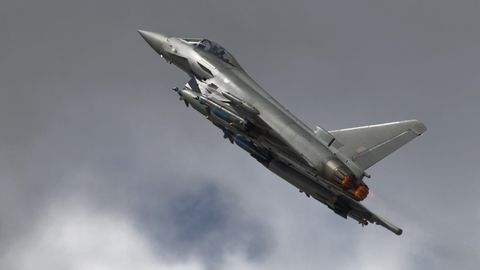 Zwei Eurofighter-Typhoon-Kampfflugzeuge
