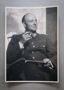 Henning von Tresckow in seiner Militäruniform.