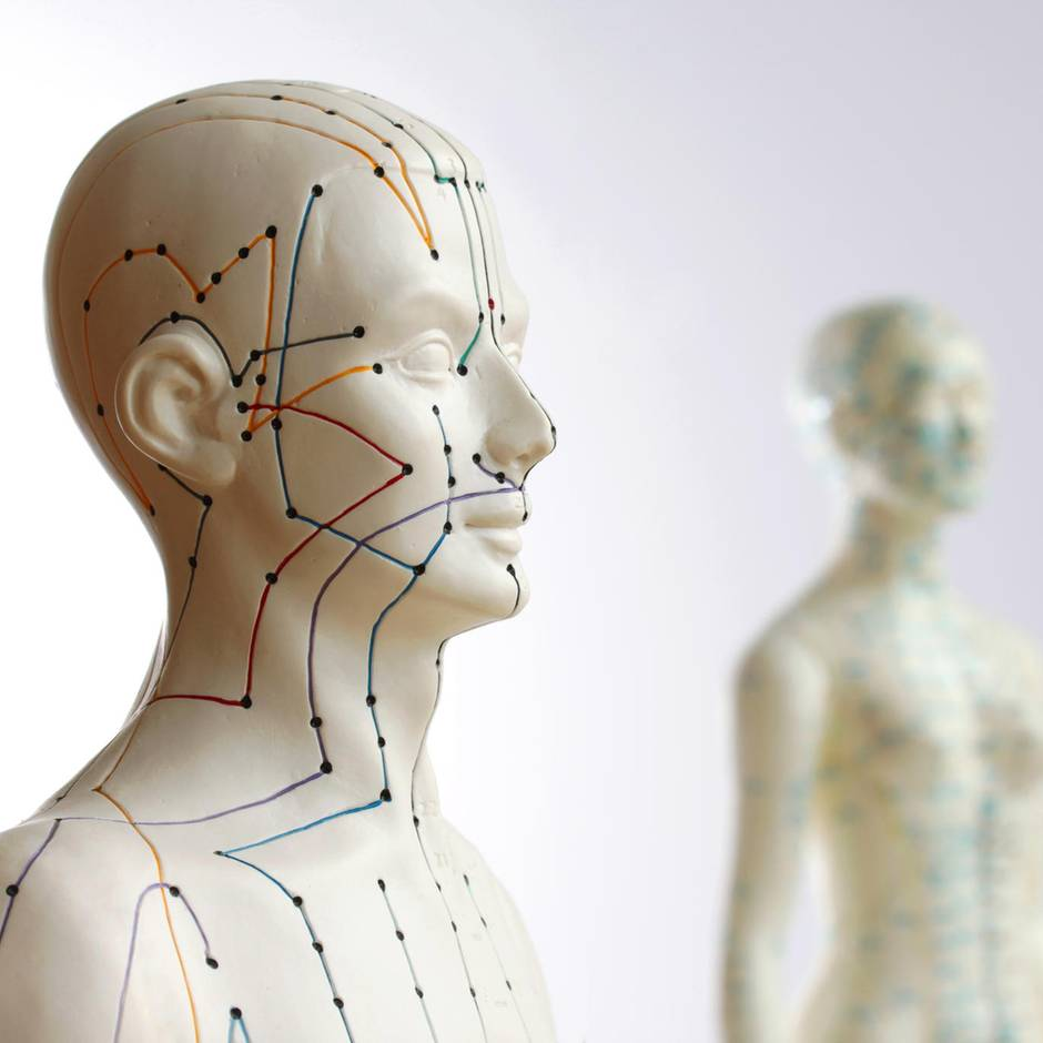 Cross Tapes: Akupunktur ohne Nadeln: Gitterpflaster versprechen Schmerzlinderung
