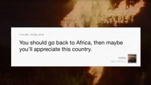 """Diese und ähnliche Beschimpfungen sind Gang und Gäbe in den sozialen Netzwerken. Zu deutsch: """"Du solltest nach Afrika zurückgehen, dann wirst du dieses Land vielleicht schätzen."""""""