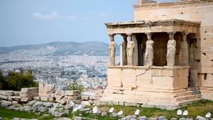 Blick vom Athena-Tempel auf der Akropolis auf das Stadtzentrum von Athen