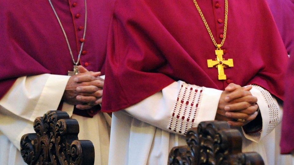Die Zahl der Kirchenaustritte in Deutschland ist im vergangenen Jahr gestiegen