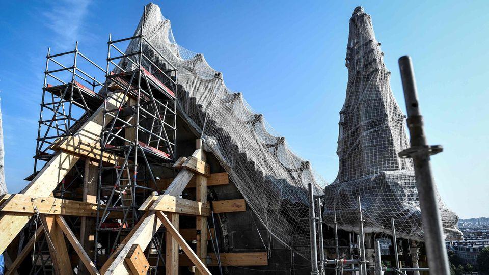 Der zerstörte Dachstuhl der Notre Dame