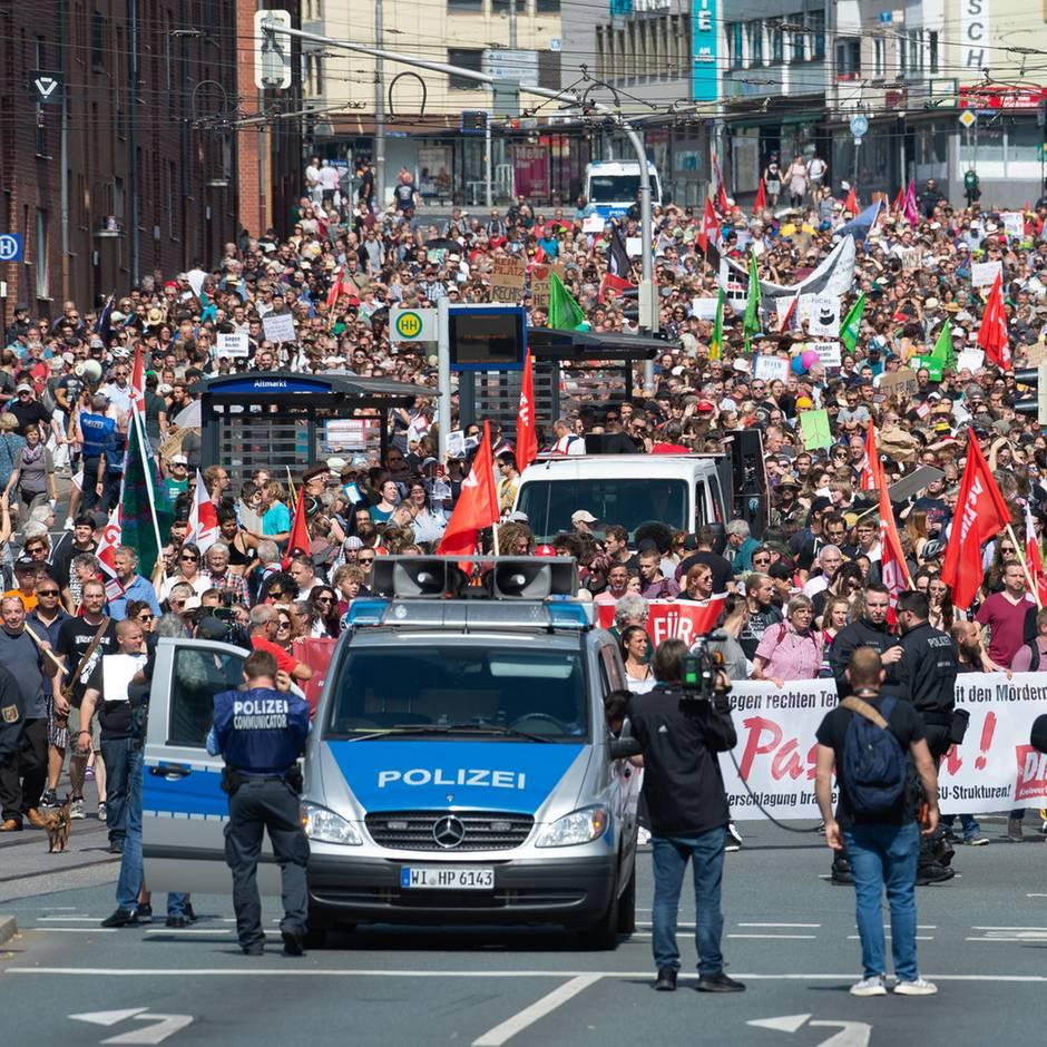Demo nach Lübcke-Mord: 120 Rechtsextreme protestieren in Kassel - 10.000 Gegendemonstranten halten dagegen