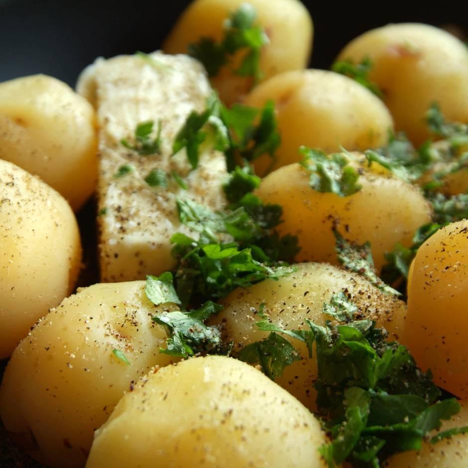 Gut zu wissen: So sollten Sie Kartoffeln und Nudeln zubereiten, um Kalorien einzusparen
