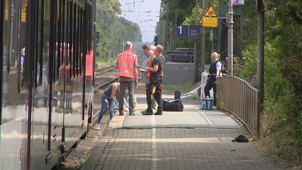 Auf diesem Bahnsteig in Voerde ereignete sich die Tat am Samstagmorgen.