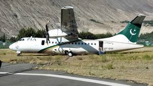 Das in Gilgit Flugzeug vom Typ ATR42 von Pakistan International Airlines