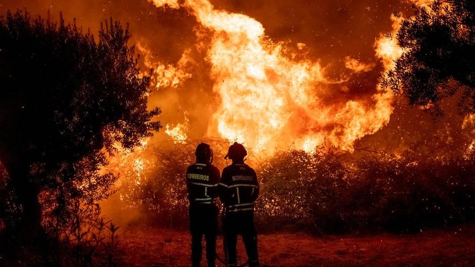 Portugal: Flammenmeer tobt im Landesinneren – 1800 Feuerwehrleute im Einsatz