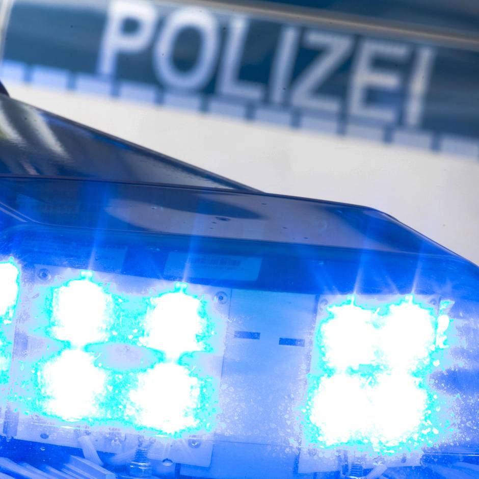 Nachrichten aus Deutschland: Mann will 16-Jährige ins Auto zerren, mutiges Ehepaar rettet das Mädchen