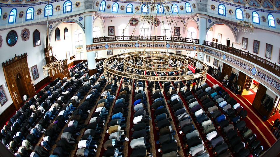 Blick in die Merkez-Moschee in Duisburg