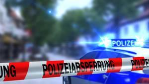 Blaulicht und Polizeiabsperrung als Symbolfoto für Nachrichten aus Deutschland