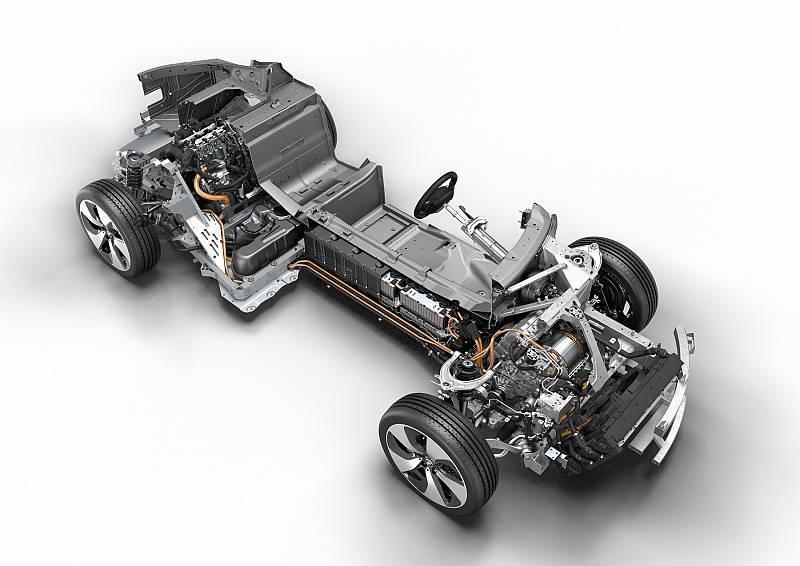 Beim BMW Hybrid Antriebsstrang fließen Kenntnisse der Formel E ein