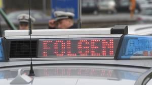 Eine Polizeistreife auf der Autobahn als Symbolfoto für Nachrichten aus Deutschland