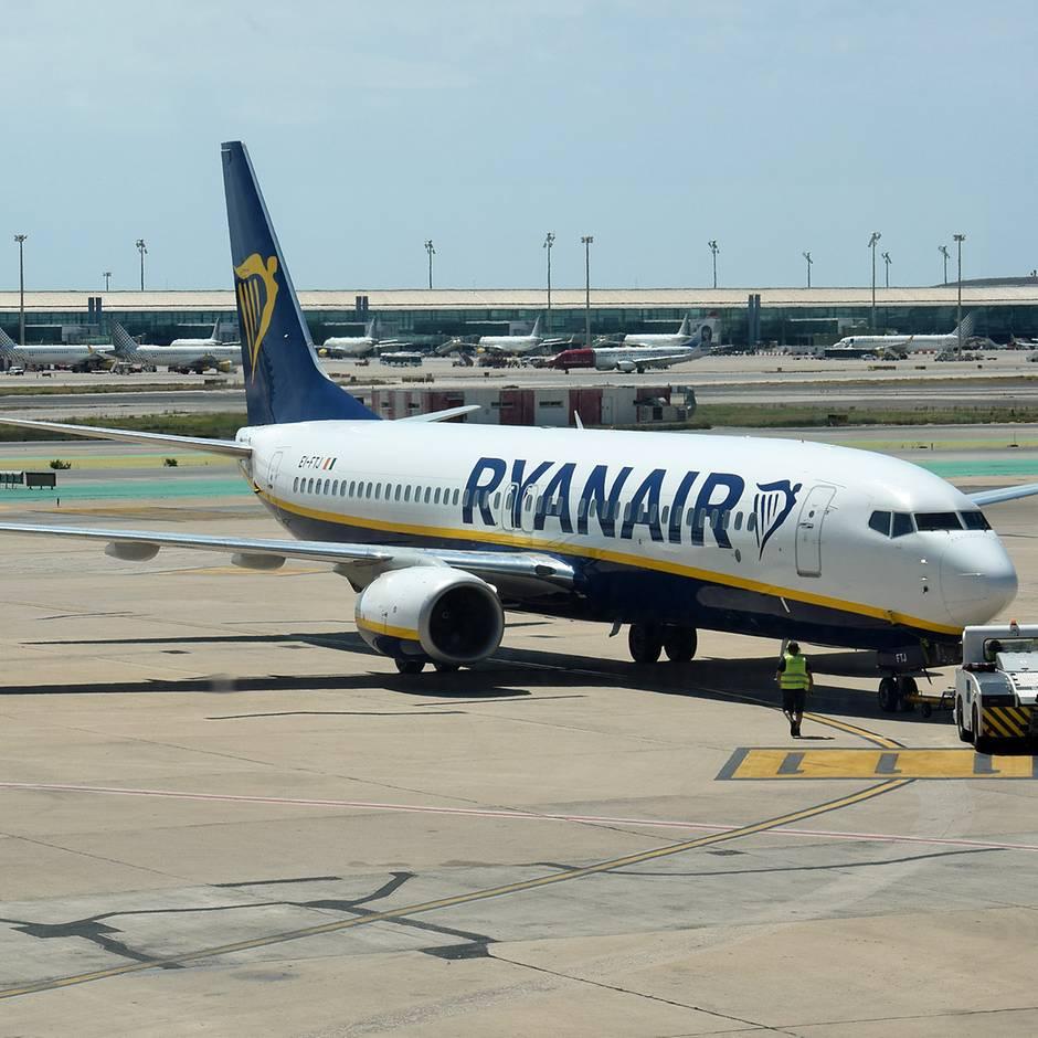 Reisen: System-Ausfall: Ryanair-Reisende hängen stundenlang auf Flughäfen fest