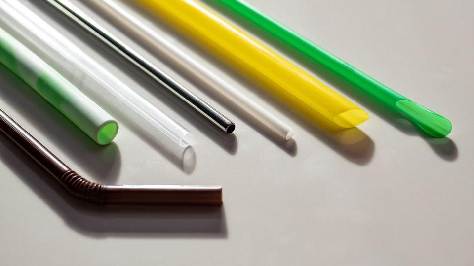 Strohhalme aus Edelstahl, Plastik und Glas