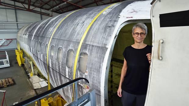 """Die """"Landhut"""" soll in einem Neubau neben dem Dornier-Museum ausgestellt werden. Barbara Wagner ist die kuratorische Projektleiterin. Sie entwirft zur Zeit ein Ausstellungskonzept mit. ©Till Bartels"""