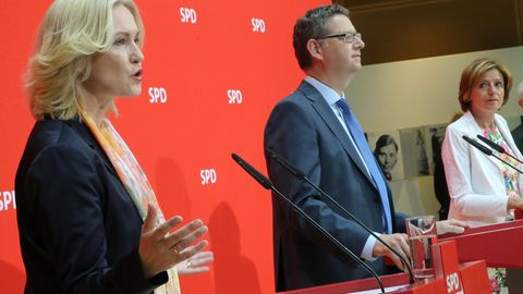 Die drei Interims-Vorsitzenden Manuela Schwesig, Thorsten Schäfer-Gümbel und Malu Dreyer (v.l.)