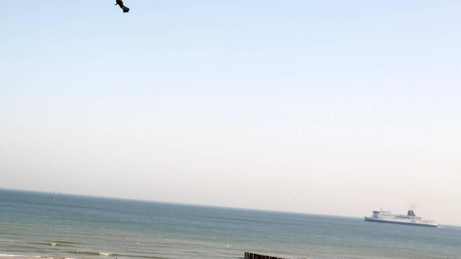 Ärmelkanalüberquerung missglückt: Flyboard-Pilot Franky Zapata stürzt ins Meer