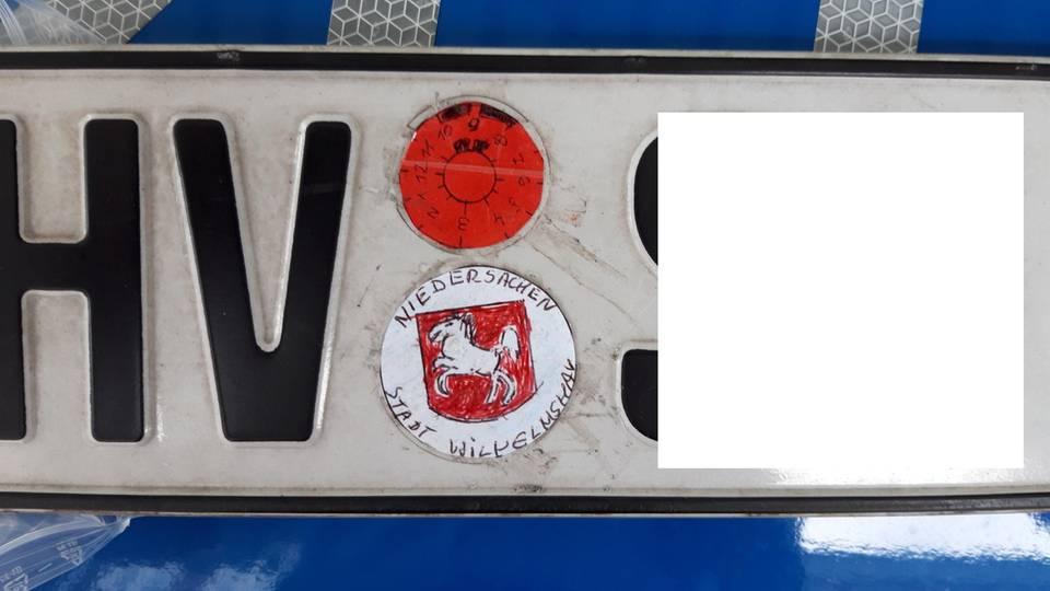 Nachrichten aus Deutschland – das gefälschte Wilhelmshavener Kennzeichen