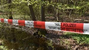 Die Leiche des 27-Jährigen war Mitte Juli von einem Pilzsammler in einem Waldstück bei Lauf an der Pegnitz gefunden worden