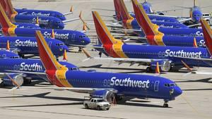 Vom Flugverbot ist der US-Billigflieger Southwest besonders betroffen: 31 der bestellten 280 Boeing 737 Max sind bereits an die Airline ausgeliefert und müssenauf Flughäfen in Kalifornien geparkt werden.