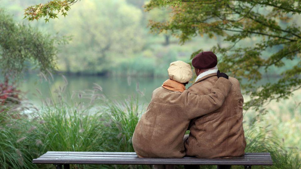 51,4 Prozent der Altersrentner bekommen weniger als 900 Euro