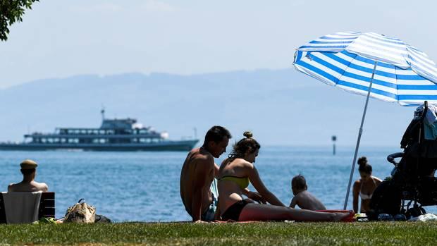 Badegäste am Bodensee
