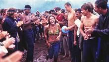 Heute gibt es kein Festival ohne Bilder von durch Schlamm watenden Besuchern. Auch hier war Woodstock der Vorreiter.