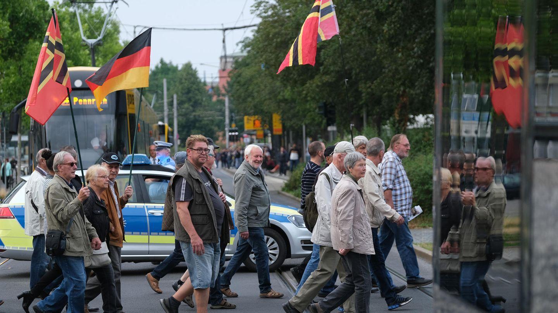 Pegida-Teilnehmer in Dresden am 15. Juli 2019