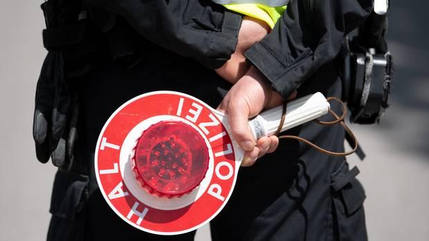 Der AfD-Politiker gab sich nach Überzeugung des Gerichts als Polizist aus