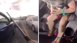 US-Cop befreit Kleinkinder aus Auto
