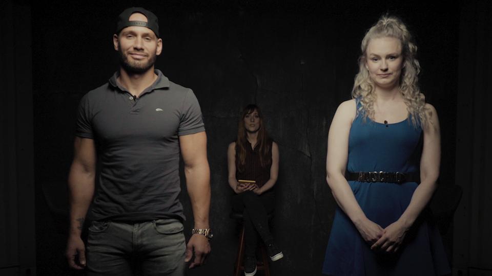 Youtuber Flying Uwe und Ex-BodybuilderinCarina Møller-Mikkelsen in der DISKUTHEK
