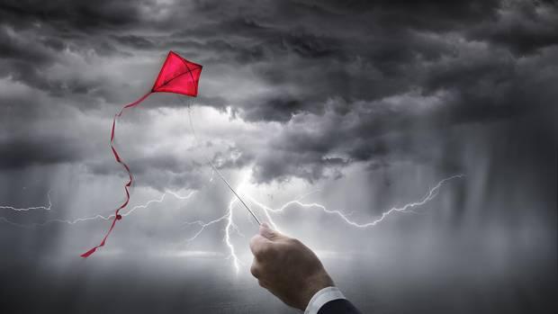 Bei Gewitter niemals Drachen steigen lassen