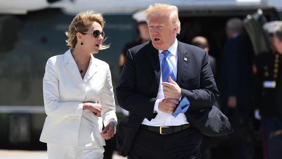 Donald Trump und Kelly Craft