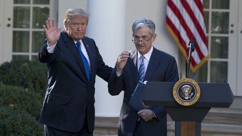 US-Präsident Donald Trump und Fed-Chef Jerome Powell bei dessen Ernennung vor dem Weißen Haus
