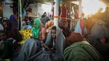 Flüchtlinge aus Eritrea an Bord eines Rettungsschiffs, das sie aus dem Mittelmeer gerettet hat