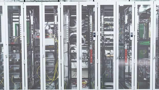 Cyberkriminalität: Bundeswehr, Unternehmen und Versorger wappnen sich