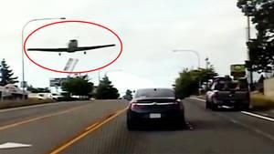 USA: Motorausfall – Flugzeug muss auf viel befahrener Straße notlanden