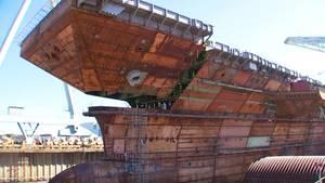 """""""USS John F. Kennedy"""": Größter Flugzeugträger der Welt – Letztes Teil des Flugdecks wird montiert"""