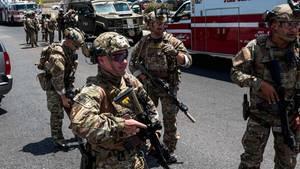 Sicherheitskräfte in El Paso, Texas: Ein Schütze hat in einem Einkaufskomplex der Grenzstadt zu Mexiko mehrere Menschen getötet.