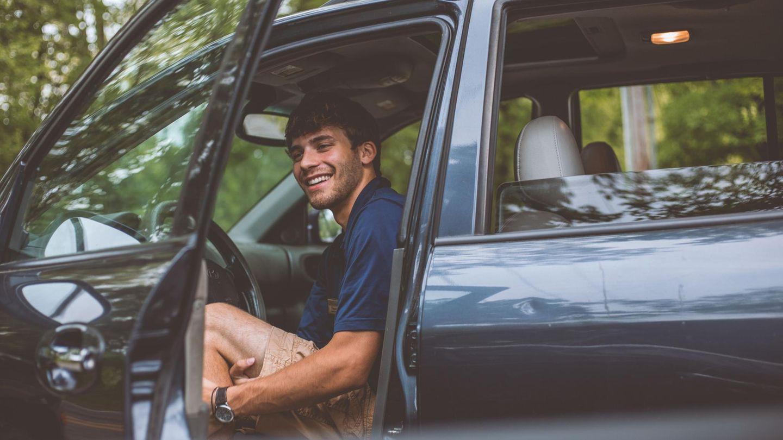 Mann in Auto