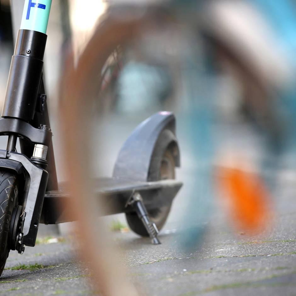 News von heute: Mit dem E-Scooter auf der Autobahn - Polizei stoppt Mann aus Dubai