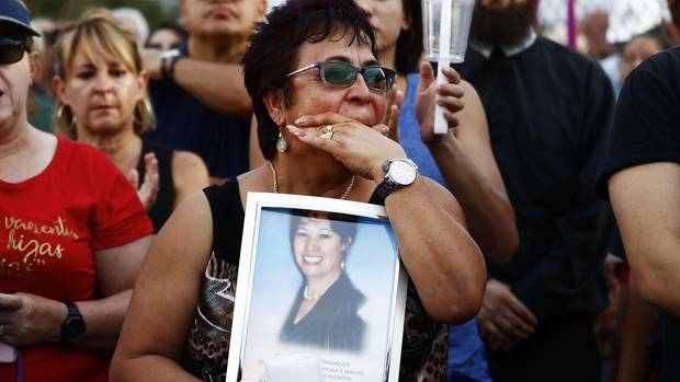 El Paso, Texas: Eine Mahnwache für die Opfer der Schießerei, bei der 20 Menschen ums Leben gekommen sind