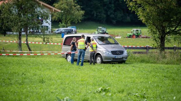 Bayern, Kreuth: Eine vermisste 17-Jährige wurde tot in dem Bachlauf gefunden.
