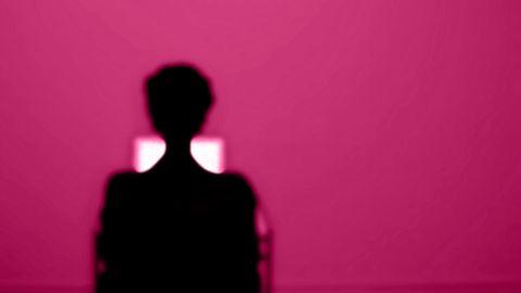 Mann, Monitor, dunkel, Fernsehen