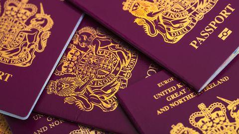 Brite bekommt nach Namensänderung keinen Pass mehr