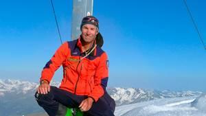 Stefan Jungmann auf einem schneebedeckten Berg